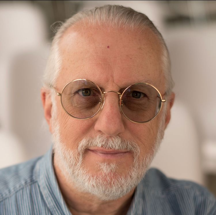 Martin J Levy